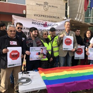 EuropaPress 2604364 El portavoz de la plataforma cívica 'Pacto por la regeneración en la Región de Murcia' Jerónimo Tristante  y otras plataformas en rueda de prensa