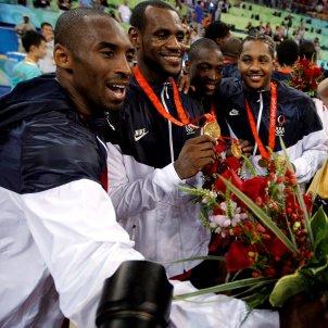 Kobe Bryant LeBron James EFE