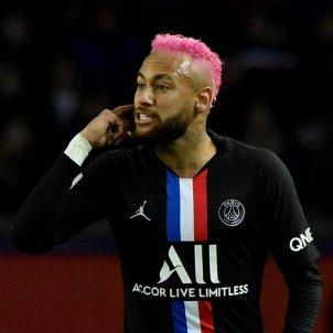 Neymar cabell rosa EFE